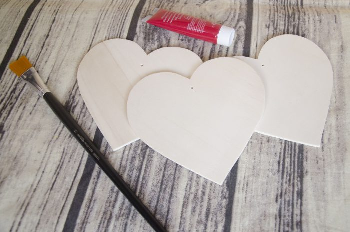 inima din lemn cu gaura