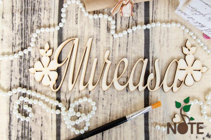 text mireasa floral