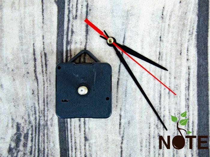 mecanism pentru ceas din lemn