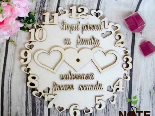 blank ceas lemn cu mesaj pentru familie