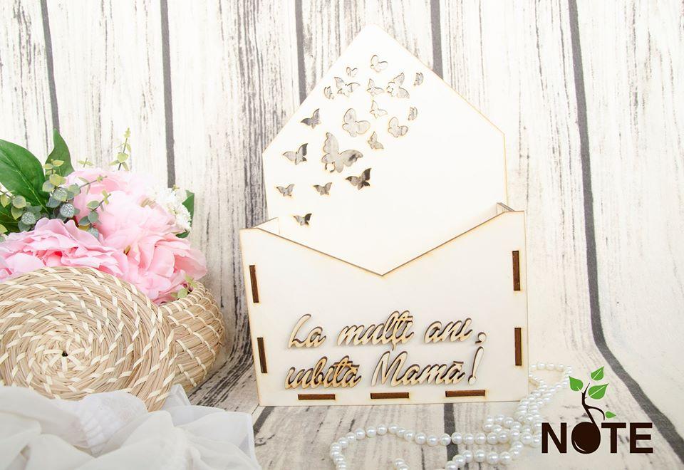 blank cutie plic cu mesaj pentru mama
