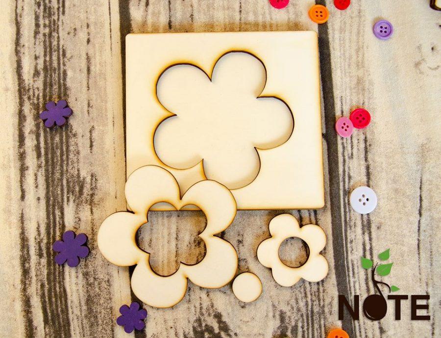 blank set puzzle floare