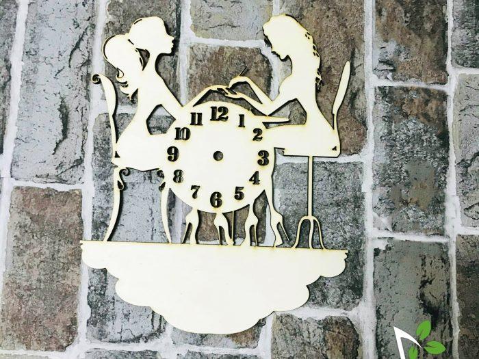 blank ceas din lemn pentru salon de infrumusetare